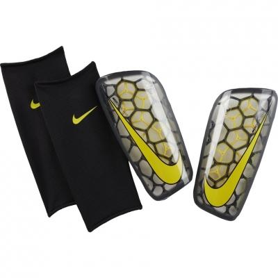 Nike Mercurial Flylite GRD SP2121 060 football protectors