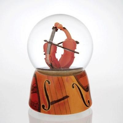 Glob muzical cu apa duetul viorilor
